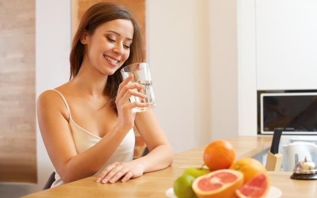 Как правильно пить воду в течении дня чтобы похудеть