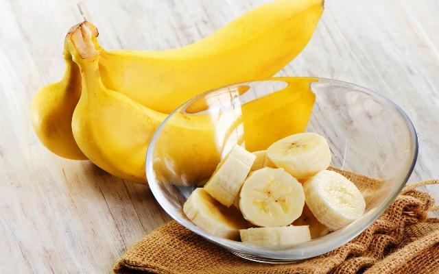 Мед, банан и вода от кашля